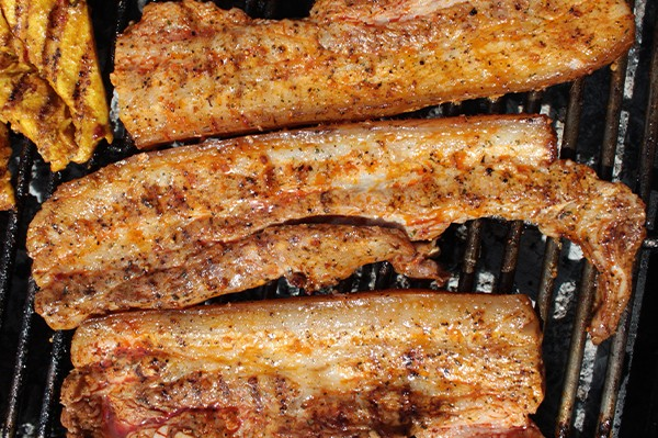 Burta de porc in marinata cu aroma de fum si miere (Hickory)